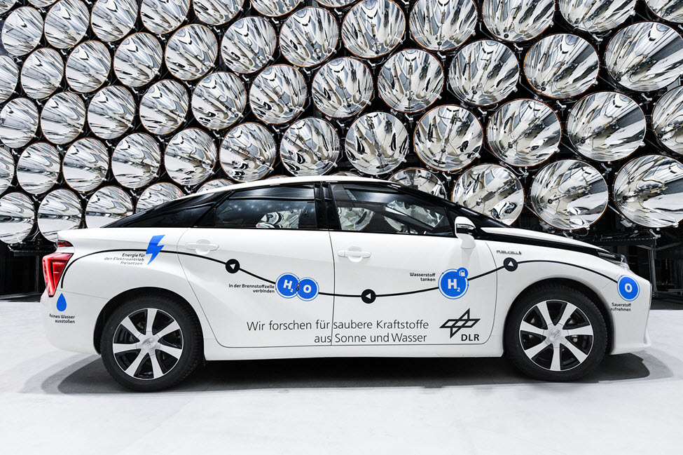 New Service Car for DLR is Toyota Mirai Fuel Cell