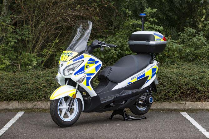 Suzuki Burgman Fuel Cell Tested at Metropolitan Police