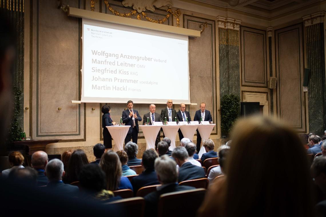 Austrian Minister Elisabeth Kostinger Launches Hydrogen Strategy