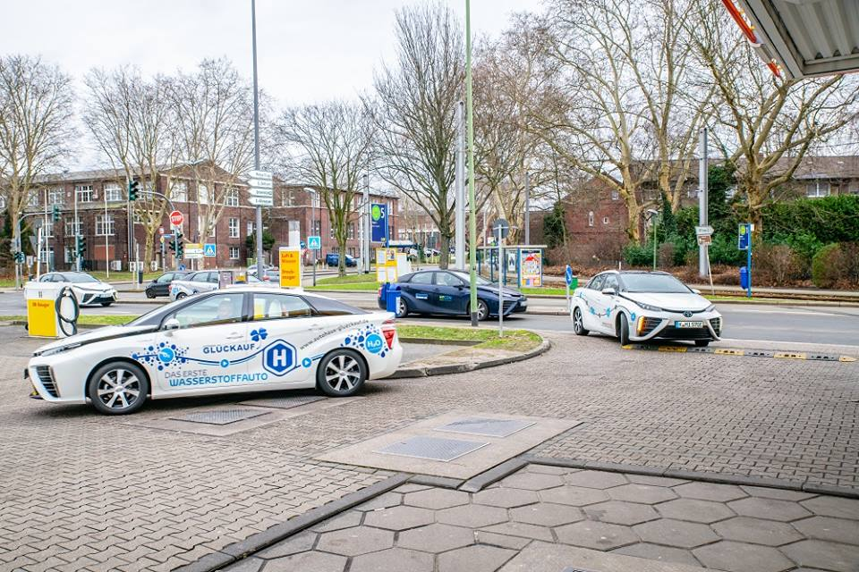 Gluckauf Dealership Receives 3 New Fuel Cell Mirais 2