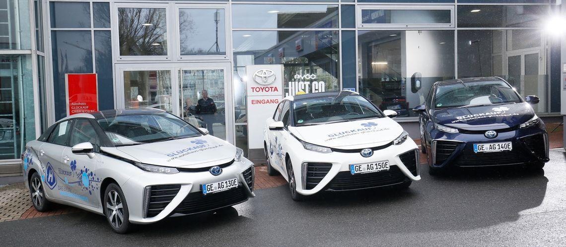 Gluckauf Dealership Receives 3 New Fuel Cell Mirais