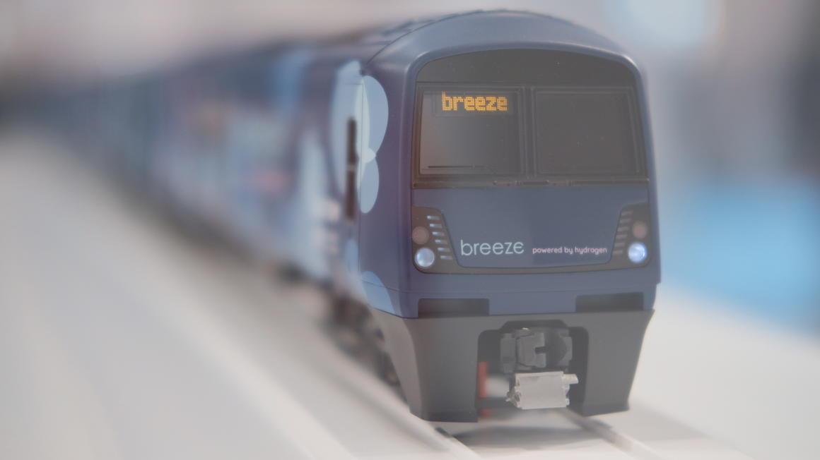 Alstom Eversholt Rail breeze hydrogen train model 1