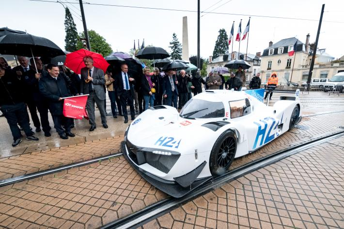 Mission H24 in the streets of LeMans