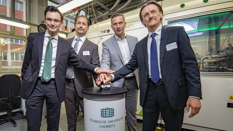 Chemnitz Univ Testing for Fuel Cell Research