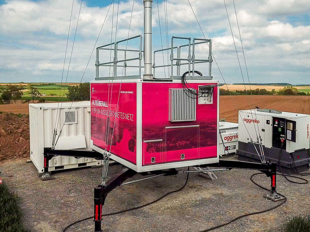 Telekom Fuel Cell Mast Main
