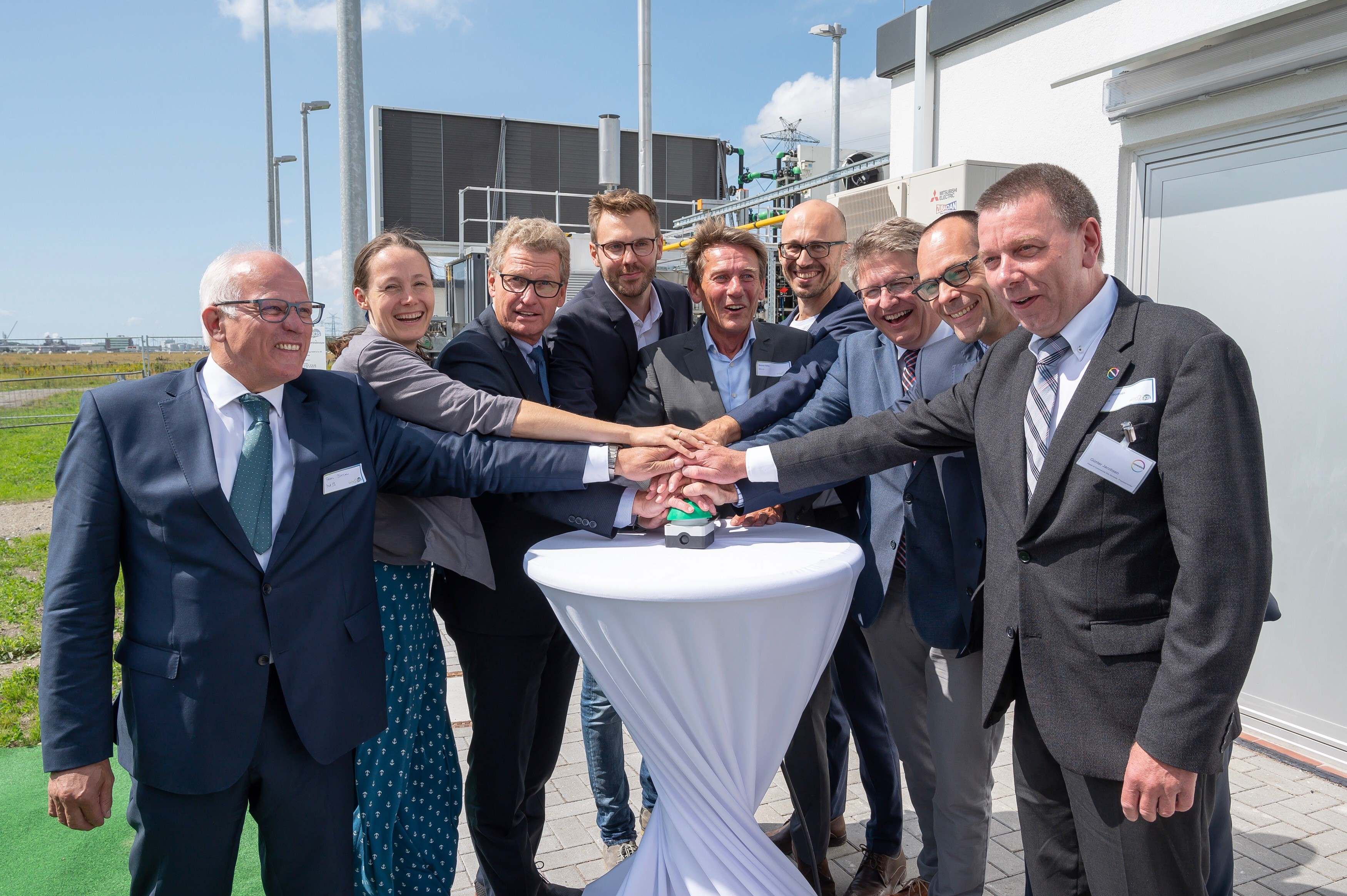 Brunsb%C3%BCttel Hydrogen Plant and Station Opened