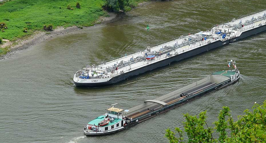 Hydrogen Barges on Seine