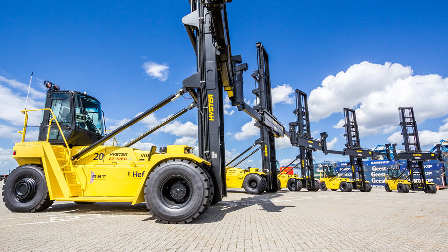 Hyster® Electric and Fuel Cell Electric Container Handlers Make Progress