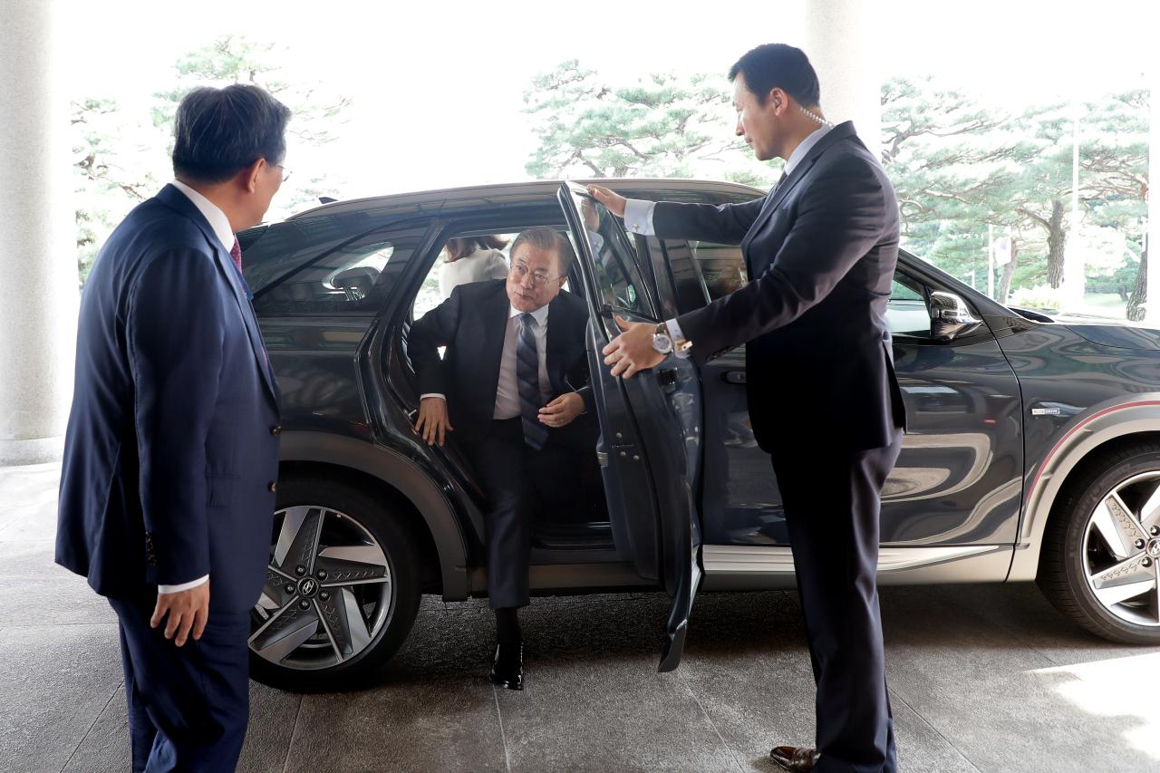 Hyundai Nexo President Moon Jae in