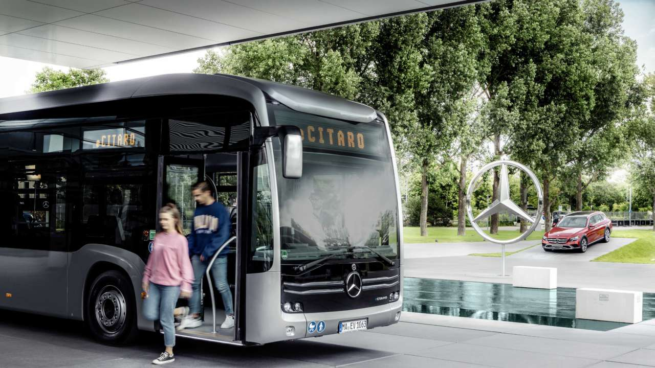 Hamburger Hochbahn AG to Test the All-Electric Mercedes-Benz