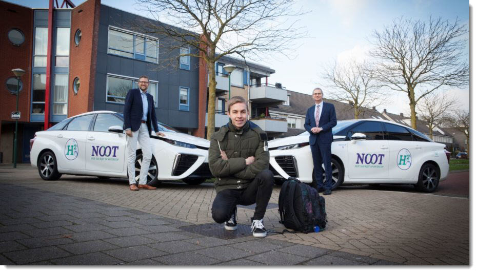 Students in Hydrogen Cars