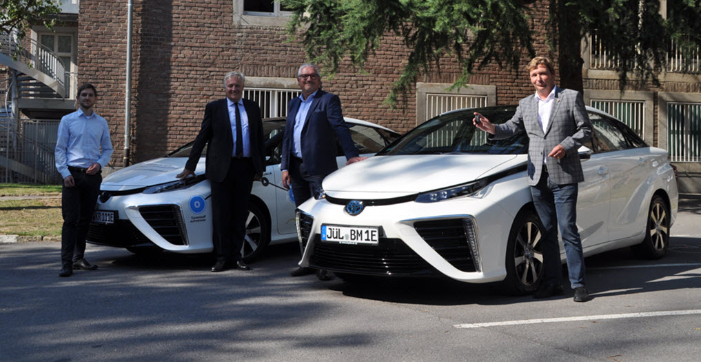 Julich Mayor Toyota Fuel Cell Car