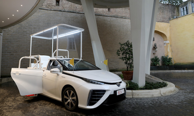 A hydrogen popemobile for His Holiness Pope Francis 13