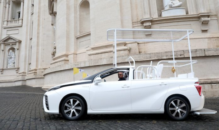 A hydrogen popemobile for His Holiness Pope Francis 696x416 1