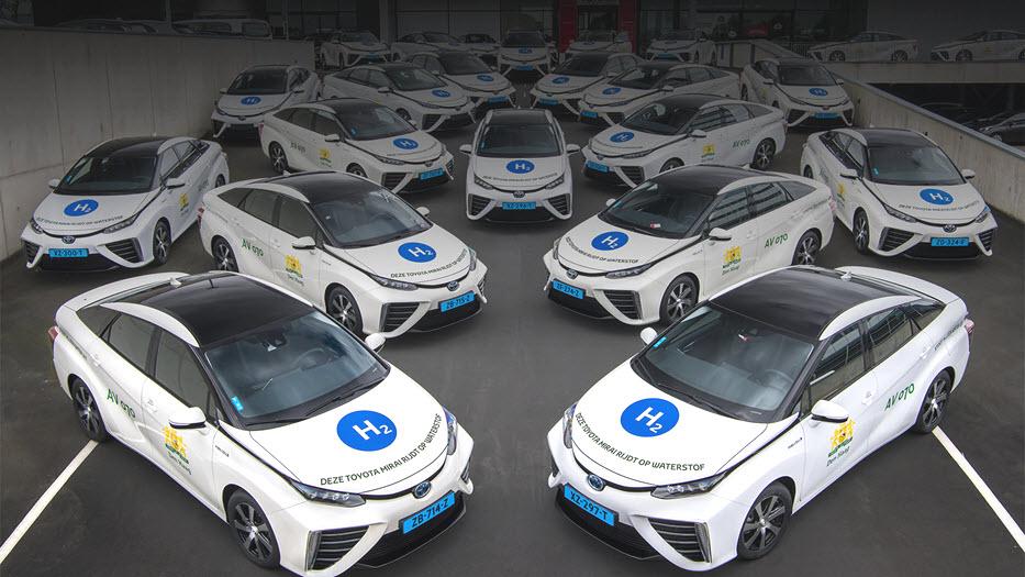 Eerste Nederlandse waterstof taxivloot met 35 Toyotas Mirai 1600 2 tcm 22 1688165