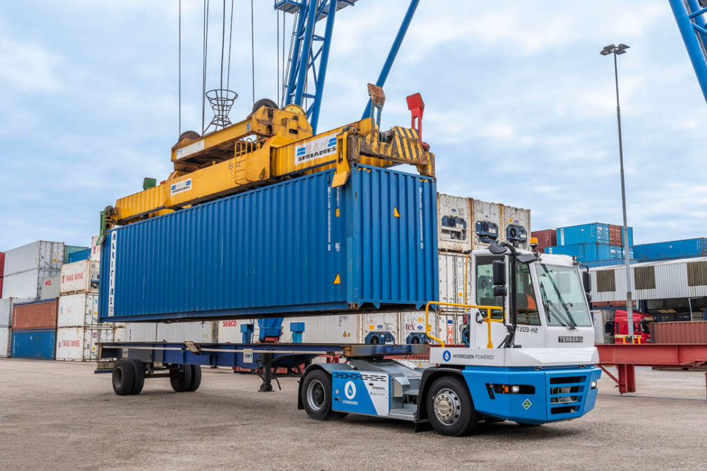 First Hydrogen Powered Terminal Tractor Operational in Port of Rotterdam 2