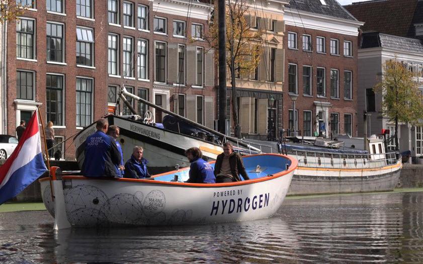 Hydrogen Lifeboat