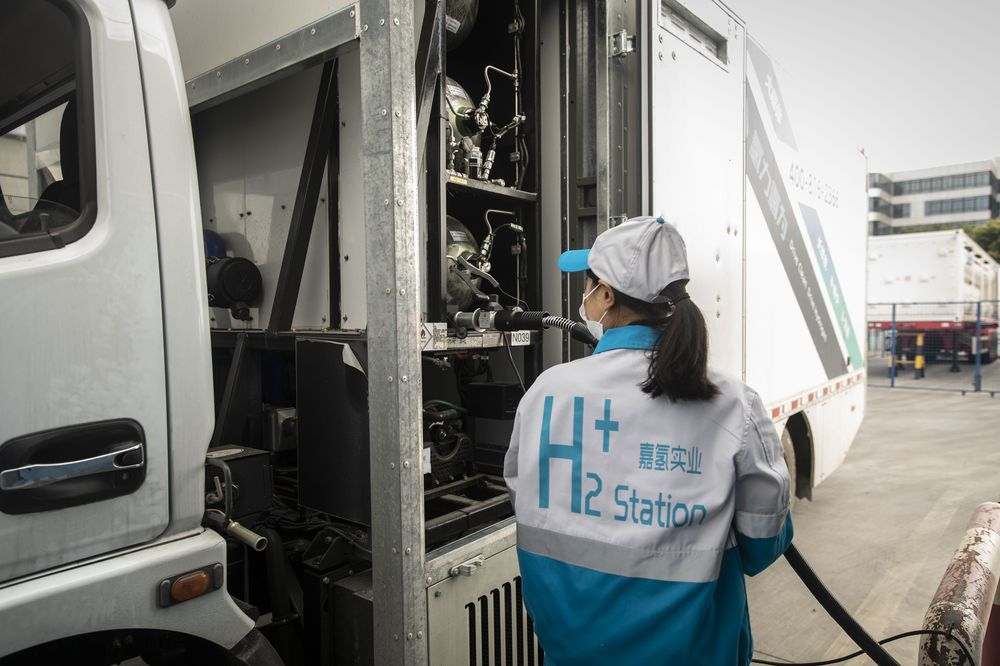 China Defies Elon Musks Warnings and Pushes Ahead With Hydrogen