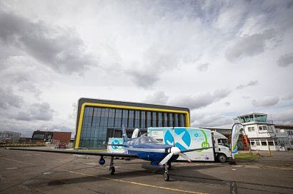 EMEC Mobile Hydrogen Refuelling Solutions Powers Aviation World First 2