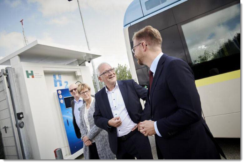 Fuel cells works, hydrogen, Danish, Politicians, fuel cells