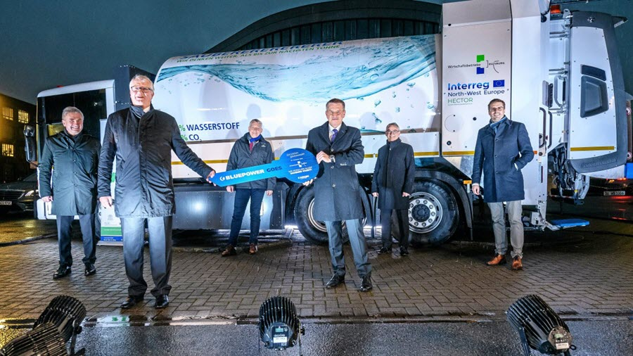 Duisburg Premiers Garbage Disposal Truck the Runs on Fuel Cells and Hydorgen