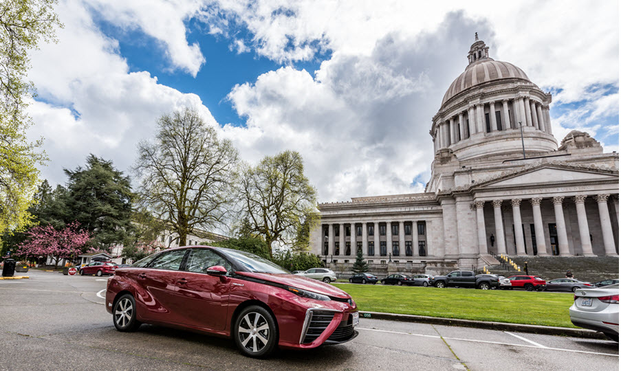Toyota Mirai and Capitol
