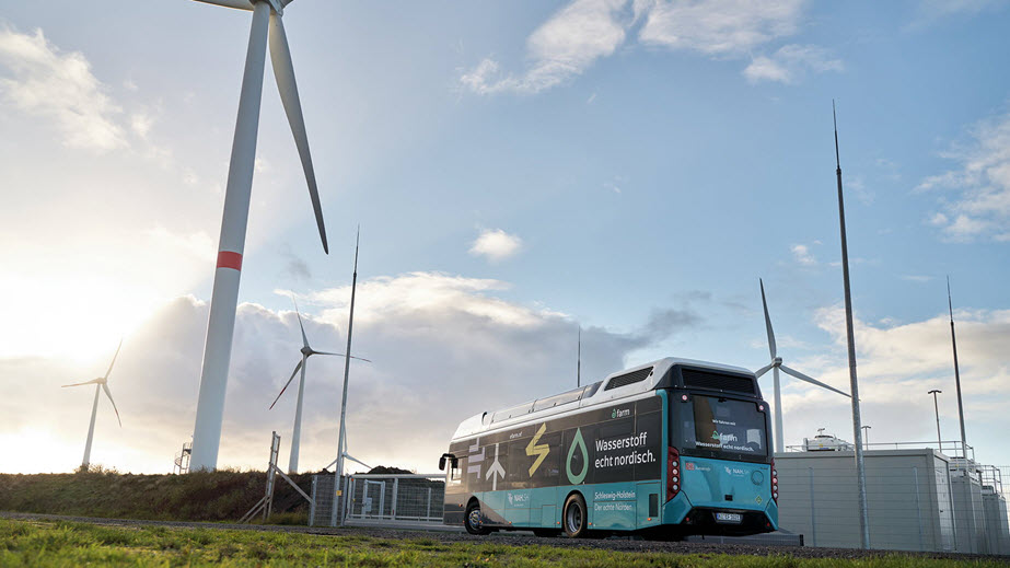 BDEW Hydrogen Mobility Implementing the Energy Transition Locally