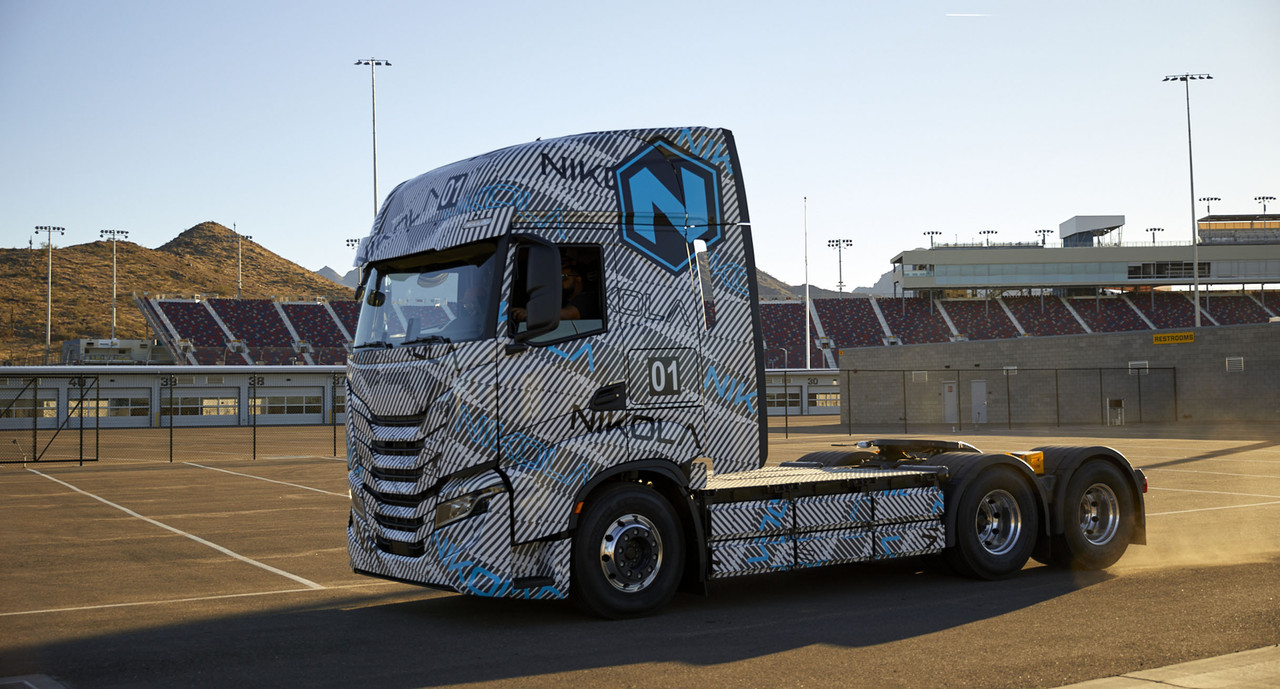 fuel cells works, iveco, hydrogen truck