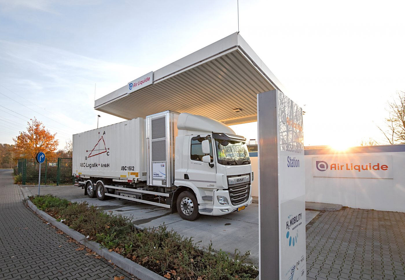 fuelcellsworks, ABC Logistik Demonstration A Success In Düsseldorf: Hydrogen Fuel Cell Truck Well Received