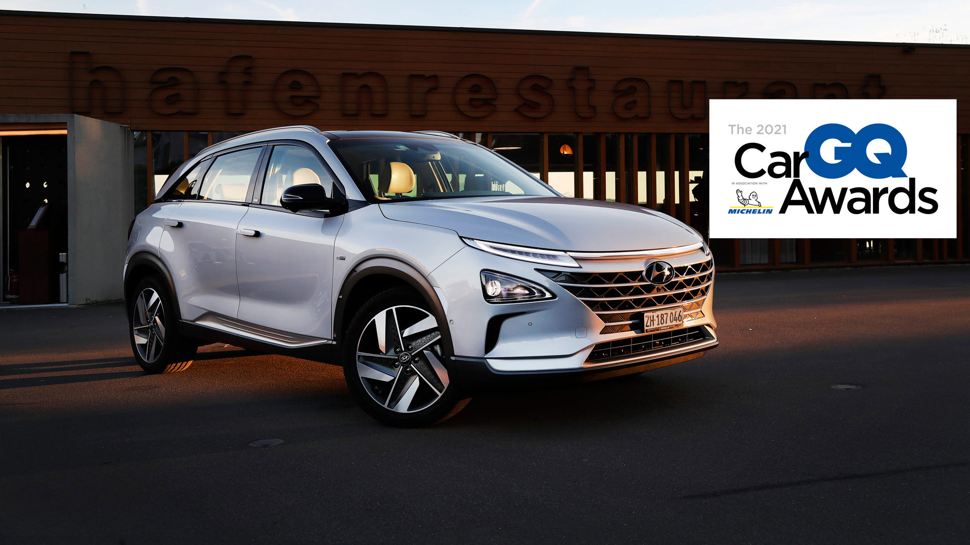 Hyundai Nexo Fuel Cell Electric Vehicle Wins the Title Alternative Energy Car Of The Year At The GQ Car Awards 2021 Main 1