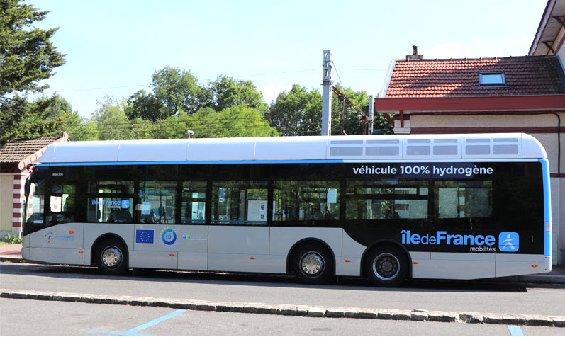 The RATP group is testing a second hydrogen bus from the manufacturer CAETANO equipped with Toyota technology with AIR LIQUIDE