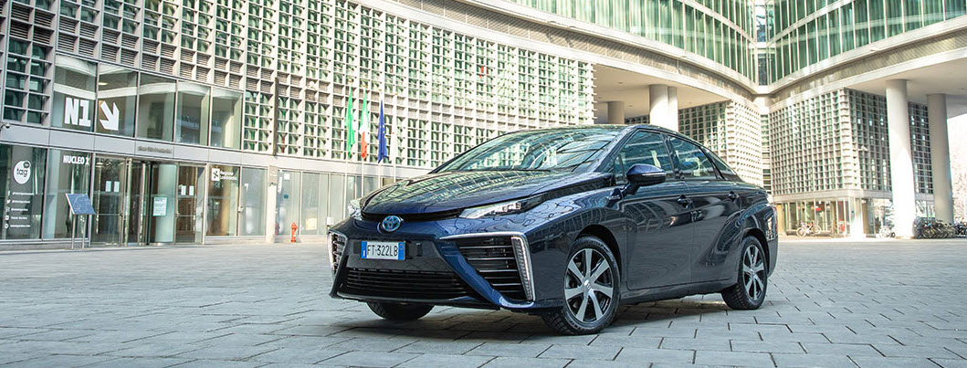 fuelcellsworks, Toyota Mirai Presented to the Councilors Cattaneo and Tezi of the Lombardy Region