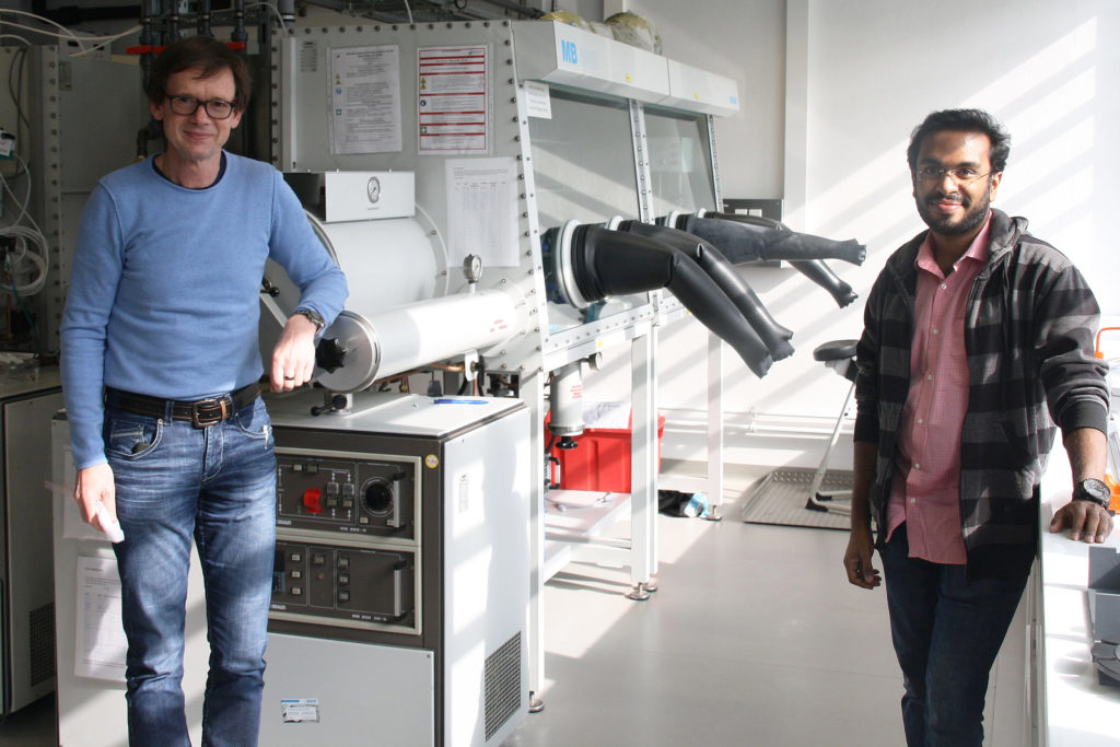 A Visiting Scientist From India Strengthens Bayreuths Hydrogen Research With Ceramic Nanofibers
