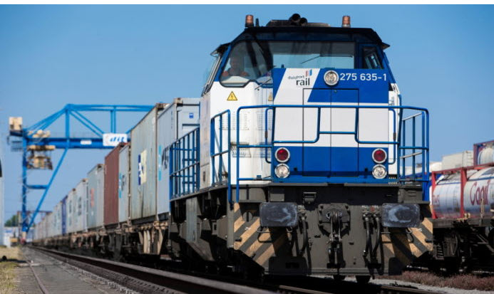 Fuel cells works, Preliminary Study Begins for Hydrogen Shunting Locomotive in the Port of Duisburg