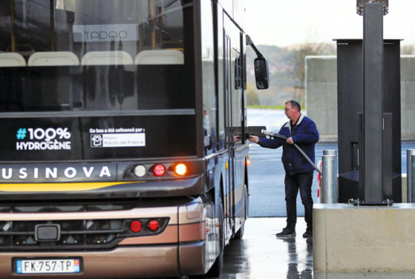 Fuel Cells Works, France: Hydrogen / H2 Corridor: the Region Is Launching an Experiment to Transform Diesel Coaches Into Hydrogen Coaches
