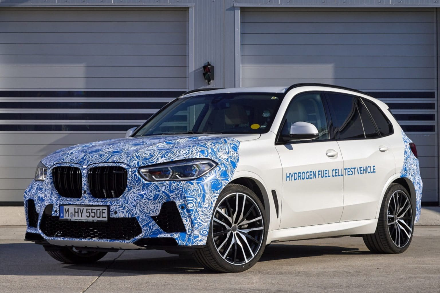 bmw x5 with hydrogen fuel cells tested on public roads