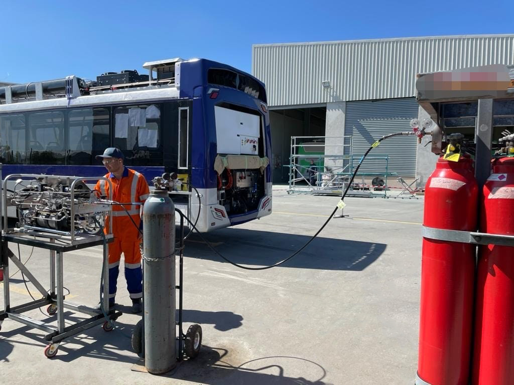 first hydrogen bus fuelling in new zealand powered by partnership between haskel hydrogen systems and hiringa energy