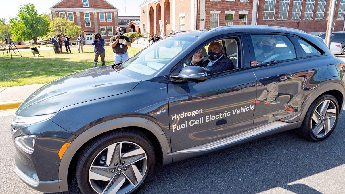 hyundai motor manufacturing alabama loans a nexo hydrogen fuel cell vehicle to alabama state university