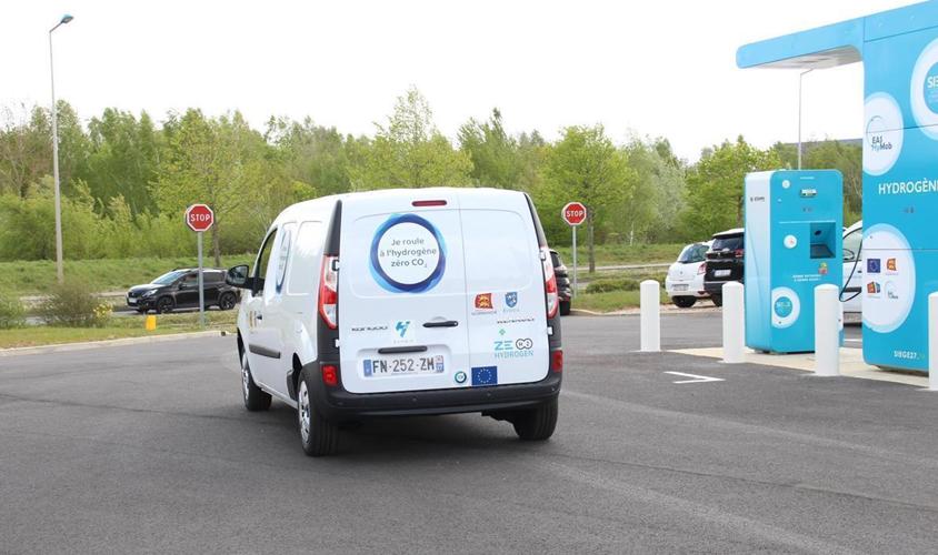 Fuel cells works, hydrogen, Evreux, Vans