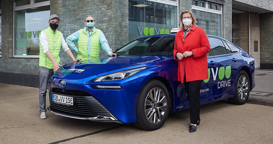 Fuel cells works, Toyota Mirai Fuel Cell Sedan as a Driving School Car