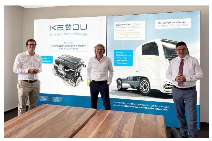 "Fuel cells works, ""Mr. Hydrogen ""Dr. Stefan Kaufmann and Member of the Bundestag Stephan Pilsinger visit the Munich H2 experts from KEYOU"