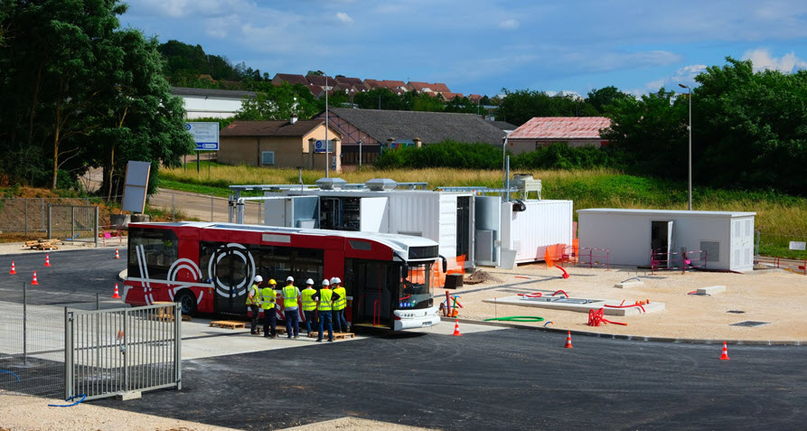Fuel Cells Works, France: Hydrogen Bus Arrives at Construction Site of New Hynamic Station
