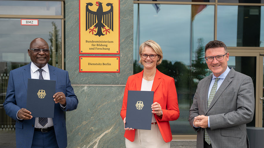 Fuel Cells Works, Germany and Namibia Sign Hydrogen Partnership