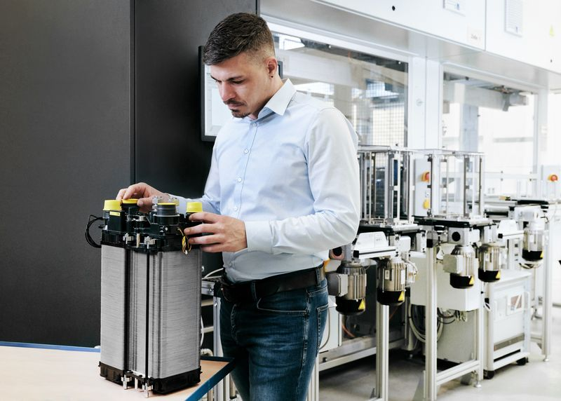 Fuel Cells Works, Manufacturer-Independent Fuel Cell Stack In The Making At The HyFaB